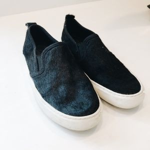 C WONDER BLACK FUR SLIP ONS